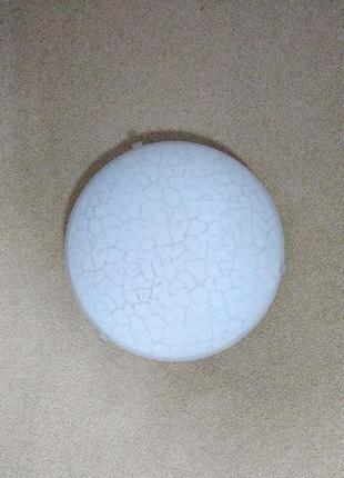 Потолочный светильник (возможен монтаж на стену)