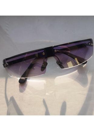 Стильные очки без оправы в стиле 90-х