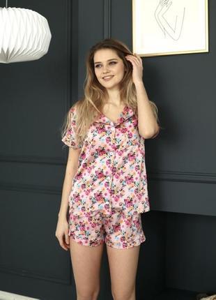 Качественная шелковая/атласная цветочная пижама. пижама в цветы шорты и рубашка хс-л