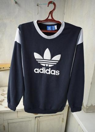 Свитшот adidas с плюшевым логотипом