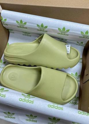 Шикарные шлепанцы унисекс adidas yeezy slides наложка