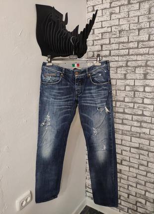 Рваные джинсы италия armani jeans made in italy