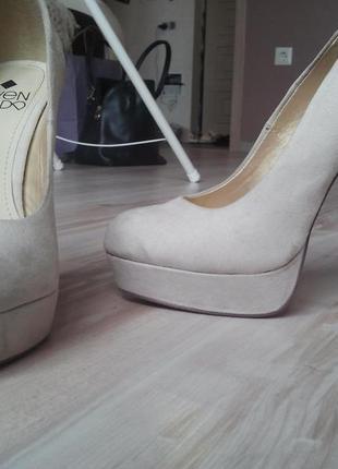 Замшеві натур нові туфлі!!! без фотошопу