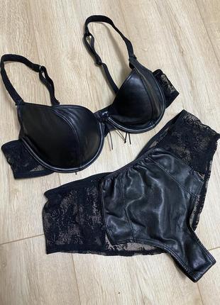 Сексуальное белье из кожи rosy
