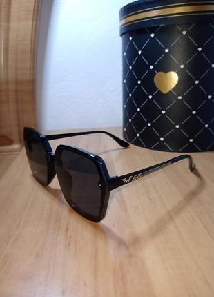 Стильные солнцезащитные очки поляризованная линза распродаю по закупке