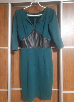 Зелена класна сукня