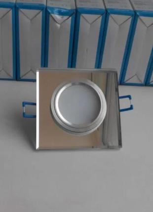 Врезной точечный светильник квадрат