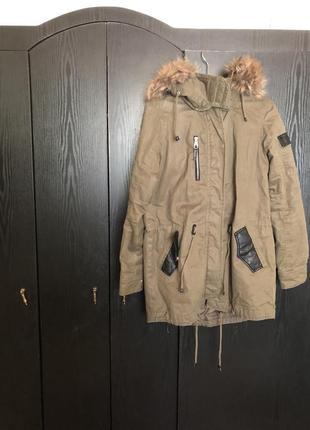 Куртка женская bershka s