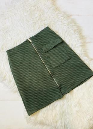 Фактурная юбка цвета хаки на молнии primark