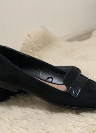 Туфли замшевые нарядные черные stradivarius