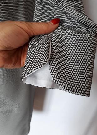 Итальянское платье черно- белый принт (размер 36-38)7 фото
