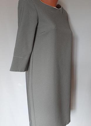 Итальянское платье черно- белый принт (размер 36-38)2 фото