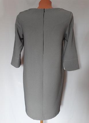 Итальянское платье черно- белый принт (размер 36-38)4 фото