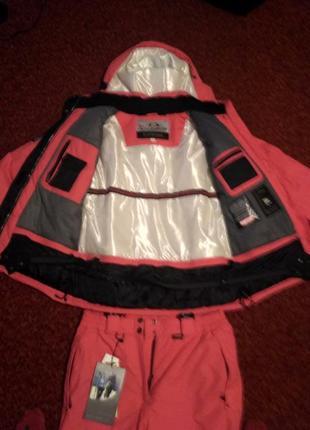 Женский лыжный костюм salomon красный