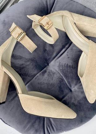 Открытые бежевые замшевые туфли на каблуке,шикарные нюдовые туфли из натуральной замши
