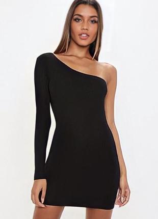 Новое платье короткое чёрное с одним рукавом