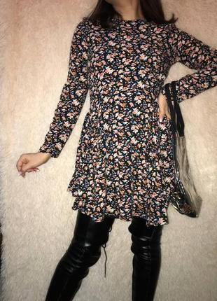 Шикарное цветочное платье, размер s
