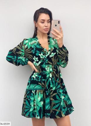 Зеленое платье тропический принт