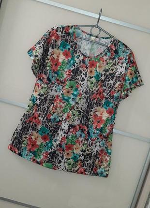 Красивая пестрая блуза футболка🌺🌿