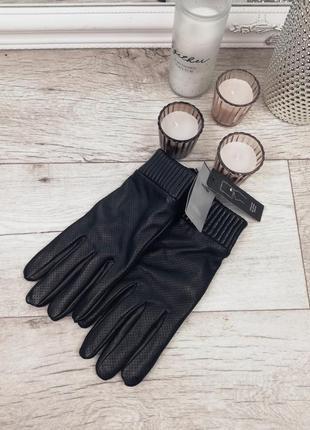 Фирменные стильные тёплые кожаные перчатки с перфорацией😍