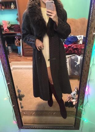 Пальто с мехом ламы