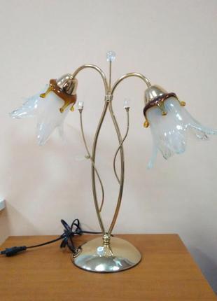 Настольная лампа на 2 плафона