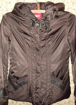 Отличная куртка деми р.42-44