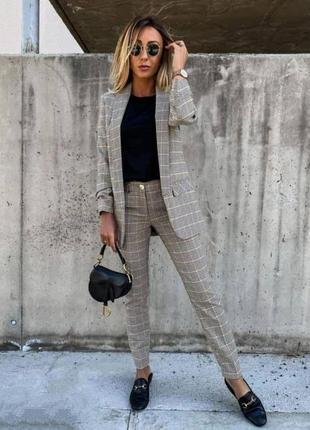 Костюм брючный пиджак+брюки в клетку.шикарного качества3 фото