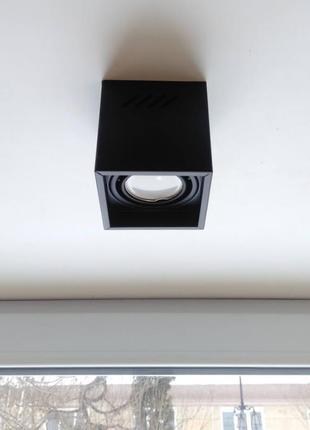 Точечный накладной потолочный светильник с функцией направления света