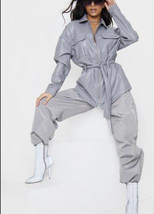 Новый стильный кожаный жакет пиджак prettylittlething с поясом кожаная куртка