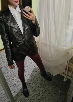 Шикарная кожаная 100% куртка, пиджак, жакет прямого кроя от zara