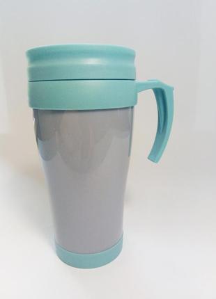Чашка, стакан с крышкой и отверстием для питья