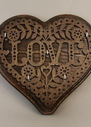 Настінна ключниця ручної роботи у вигляді серця