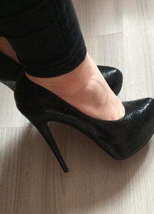 Туфли aldo  а-ля лабутены новые