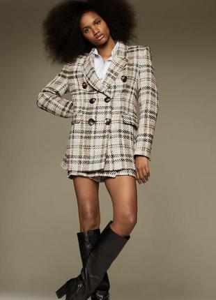 Костюм жакет блейзер  и шорты юбка в клетку с рельефной ткани