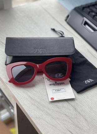Стильные очки zara