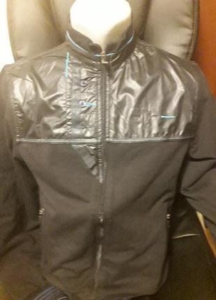 Абсолютно новая фирменная курточка /ветровка /мастерка