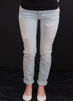 Стильные рванные джинсы pull&bear