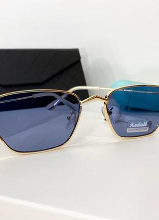 Синий солнцезащитные очки женские в тонкой оправе с тонкими золотыми дужками