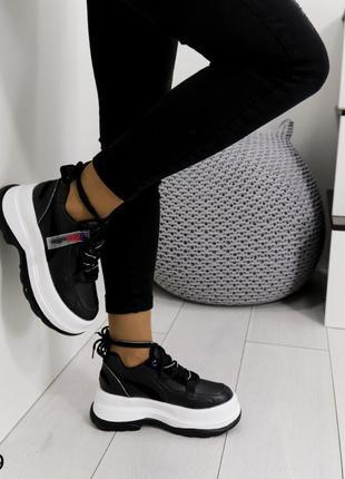 Туфли  женские новые черные в наличии