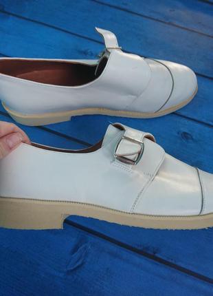 Новые белые кожаные ортопедические туфли