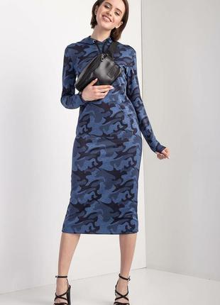 Синее камуфляжное платье в стиле спорт-кэжуал с капюшоном и карманами