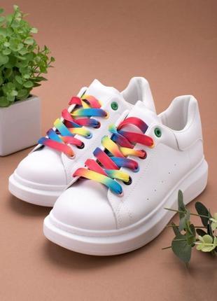 Стильные белые кроссовки кеды криперы на толстой подошве платформе с цветными шнурками