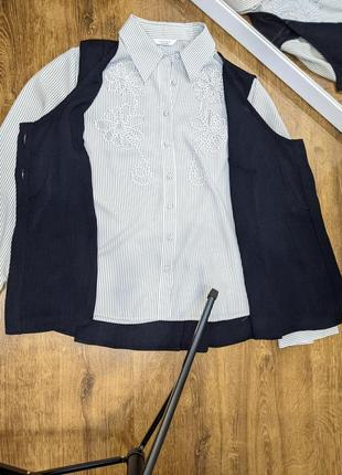 Костюм тройка: блузка, жилетка, юбка миди.6 фото