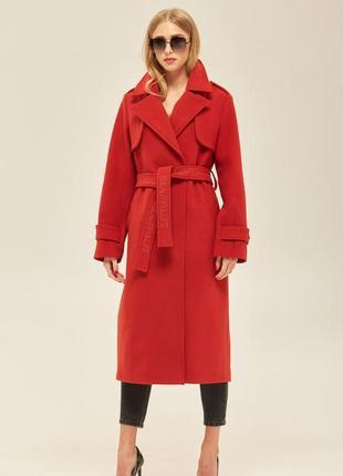 Деми пальто с вышивкой на поясе красное