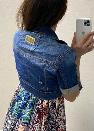 Укороченная джинсовая куртка3 фото