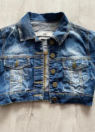 Укороченная джинсовая куртка5 фото