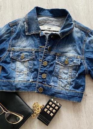 Укороченная джинсовая куртка7 фото