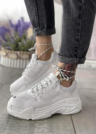 Женские кроссовки triple white