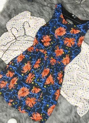 Хлопковое платье со шнуровкой